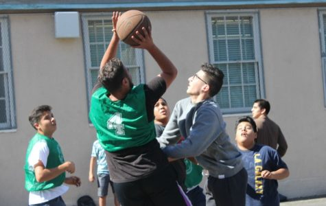 House Games start with a slam-dunk