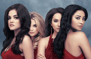 Pretty Little Liars new season has viewers at the edge with its unraveling secrets. Photo from abcfamily.go.com.
