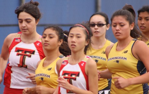 After rough beginning, runners pick up their pace