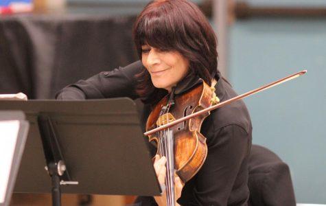 Video: Kadima String Quartet brings its music to DPMHS