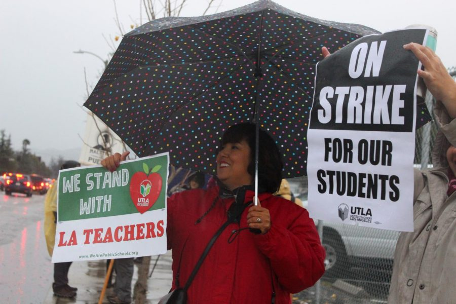 Daniel+Pearl+Magnet+High+School%27s+guidance+counselor+Martina+Torres+proudly+goes+on+strike+along+with+other+teachers+on+Jan.+14.