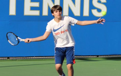 Boys tennis sets in season