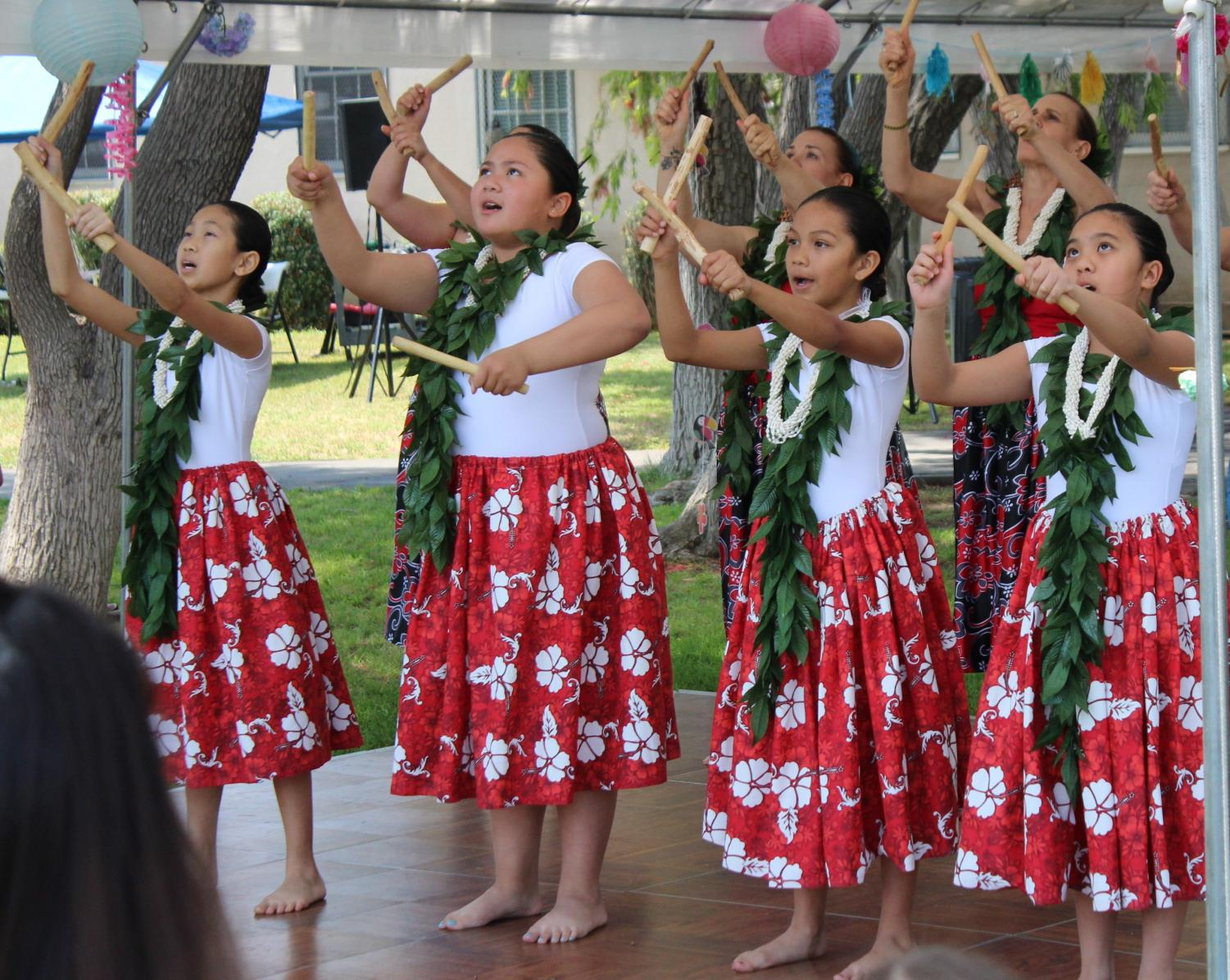 The+Hula+Dance+Troupe+perform+on+the+outdoor+stage+during+Pearl+Con+IV+on+May+11.