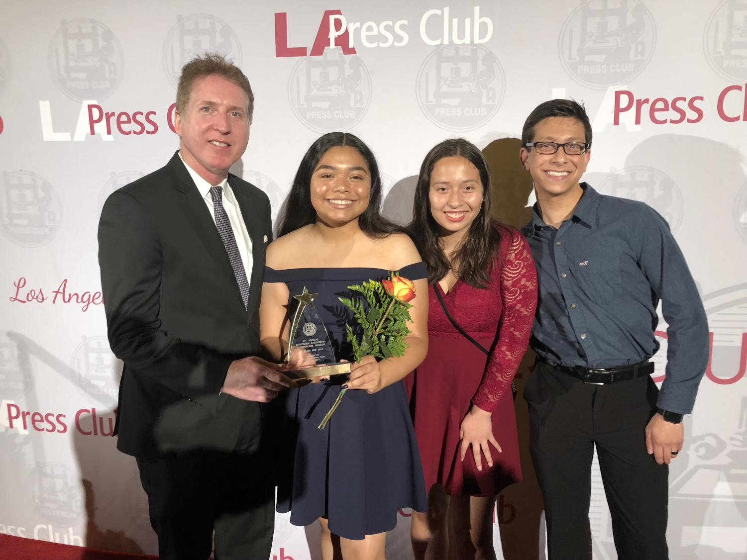 The+Los+Angeles+Press+Club+President+Chris+Palmeri+joins+former+Print+Editor-in-Chief+Kirsten+Cintigo%2C+Staff+Writer+Itzel+Luna+and+former+Online+Editor-in-Chief+Michael+Chidbachian+after+The+Pearl+Post+was+named+%22Best+High+School%22+newspaper.