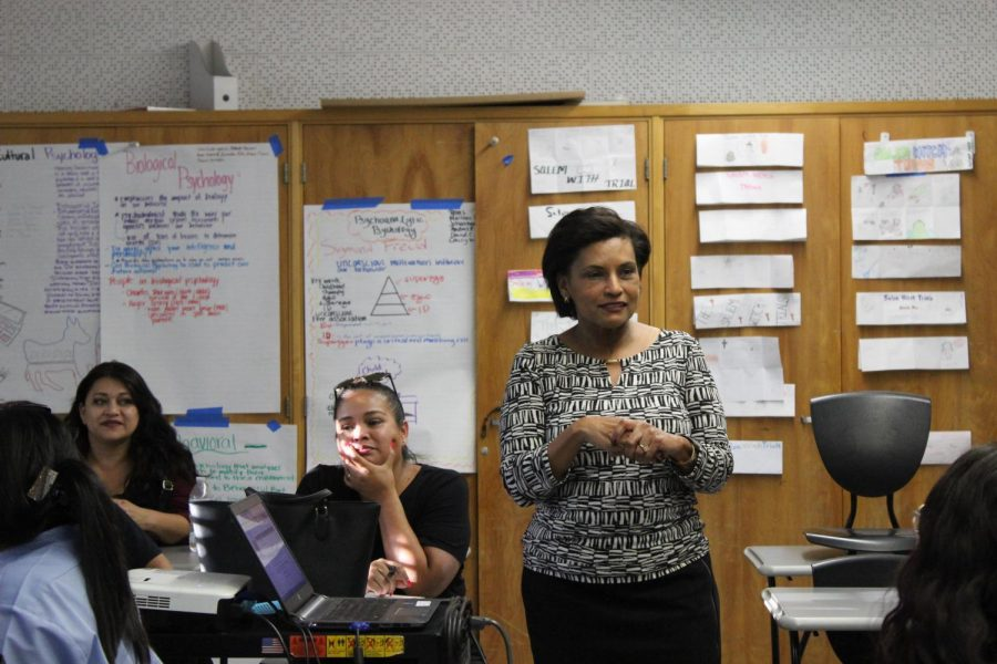 Social Science teacher Brenda Helfing gives a presentation to parents during Back to School night on Sept. 12.