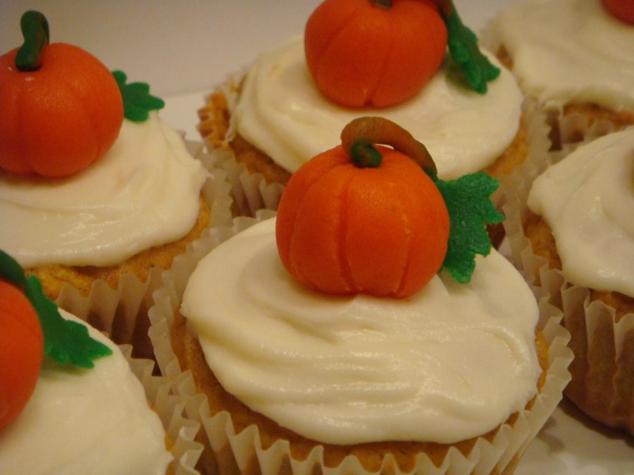 Other than a regular pumpkin pie, end your Thanksgiving feast with these Pumpkin cupcakes topped with cream cheese frosting from .